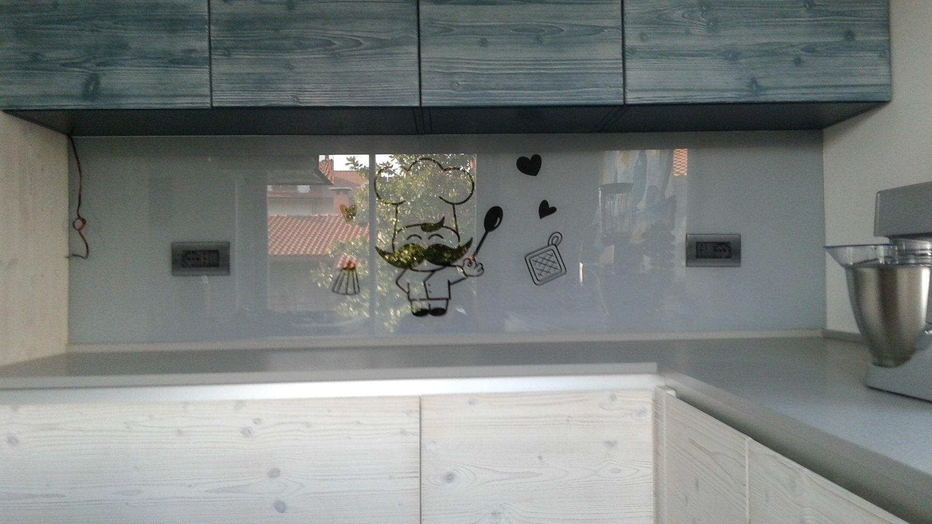 Rivestimenti pareti cucina - Vetreria Tronto Martinsicuro